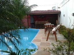 Alugo Casa Anual Mobiliada 4/4. Piscina privativa e espaço gourmet churrasqueira,Arembepe.