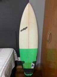 Prancha de surf Edgo 5.8 (semi nova)
