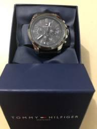 Relógio Tommy Hilfiger masculino couro marro