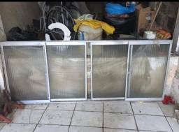 Vendo portas e janelas de alumínio