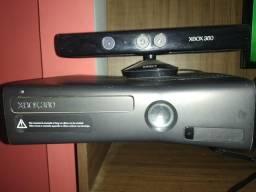 Xbox 360 desbloqueado + Kinect + 30 jogos