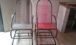 Cadeiras de fio com molas