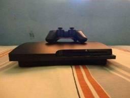 PS3 slim bloqueado com 1 controle 2 jogos originais