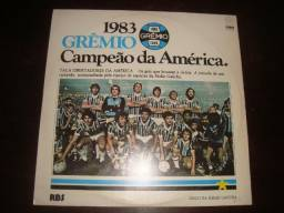 Lote 3 albuns, 4 Lps de Futebol, Grêmio, Brasil na Copa do Mundo, Copa 70. Preço Lote