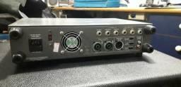 Amp de baixo Ampeg SVT7Pro 1000W