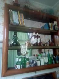 Bar em Mogno