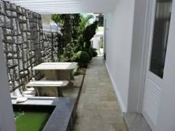 Casa no Bairro Tambiá, C/ 4 quartos, sendo 03 Suítes, Terreno 30 x 35. Agende sua visita