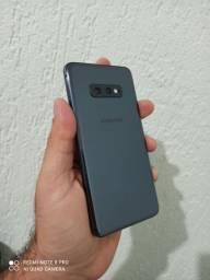 Galaxy S10e Novo Impecável completo Troco ou vendo