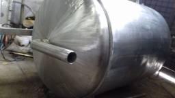 Reator em aço inox volume de 3000 litros, moto redutor de 5 CV
