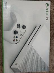 Microsoft Xbox One S 500gb com 2 controles