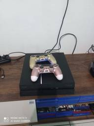 Vendo um PS4 com Dois controles e 9 jogos