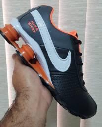Tenis Nike Shox Preto, Laranja e Branco