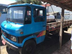 MB 608 carroceria