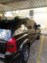 Vendo Tucson GLS, versão mais completa , ano modelo 2011 mais completa, super conservado