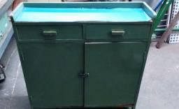 Armário de madeira/pra oficina/usos gerais
