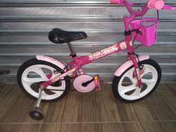Bicicleta infantil da Barbie aro 16 com cestinha