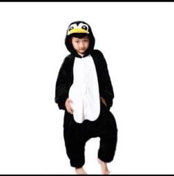 Kigurumi de pinguim infantil