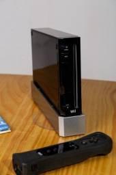 Wii Black 4.3U + dois jogos