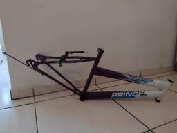 Vendo um quadro de bicicleta aro 24,semi- novos