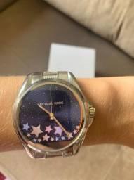 Título do anúncio: Relógio Michael Kors MKT5000 Strass Prata