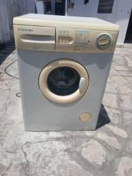 Título do anúncio: Máquina de lavar Eletrolux 7,5 kg