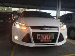 Ford Focus (Titanium Plus) em perfeito estado de conservação. Venda apenas p/particular.