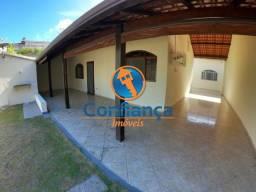 Em Jacaraípe casa 4 quartos sendo 2 suítes e 6 vagas de garagem