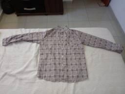 Camisa feminina xadrez de chiffon - tamanho M - R$ 40,00