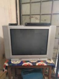 Vendo TV com converso  e um DVD