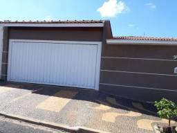 Título do anúncio: Casa para Venda em Araras, Jardim Universitário, 3 dormitórios, 1 suíte, 2 banheiros, 2 va