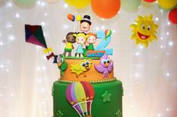 Topo de bolo do mundo bita 2 anos
