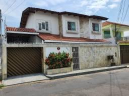Vendo casa no Dom Pedro - 04 Quatos - 300m²