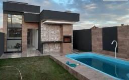 Casa com 2 dormitórios e piscina a venda
