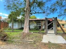 Título do anúncio: Casa com 04 dorms, 2 banheiros, no centro de Atlântida Sul