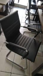 Cadeira Eames fixa