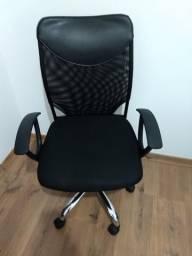Cadeira de escritório com braços