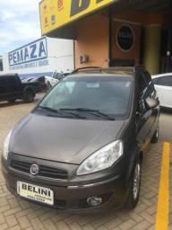 Vende-se Fiat ideia 12/12 completo manual - 2012