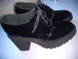 Sapato feminino Oxford- Preto verniz