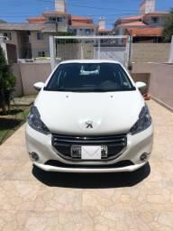 Única Dona! Peugeot 208
