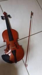 Violino semi novo, 3/4, com capa e arco.