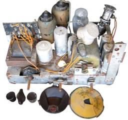 Chassi Radio anos 30 Philips 520 A 24. Colecionavel para restaurar ou retirada de peças