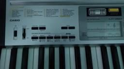 Teclado musical modelo Casio original