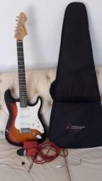 Vendo guitarra em excelente estado valor 400