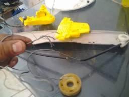 O vidro elétrico do seu veículo quebrou? Conserto. Tbm vou ao local. Aceito cartão