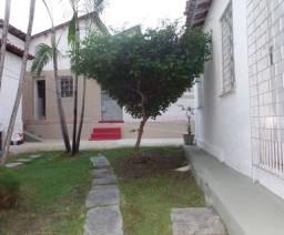 Quitinete de quarto com WC na R. Tibúrcio Cavalcante próx. à Av. Pe Ant. Tomás