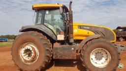 Trator agrícola Valtra Bt210