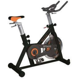 Bicicleta Spinning SP 2600 Praticar Fitness - Disco de Inércia de 20kg - Banco Regulável