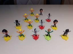 Título do anúncio: Figuras de Ação Kinder Ovo - Bonecos da Coleção Liga da Justiça