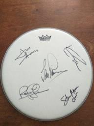 Título do anúncio: Pele bateria remo autografada pela banda Deep Purple.