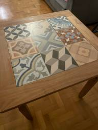 Mesa 4 lugares com azulejo